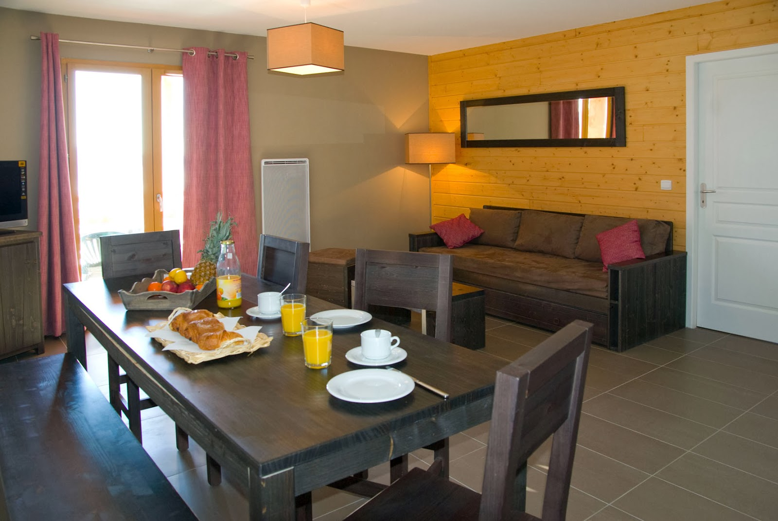Modern living in Le Pic de l'Ours, self catered ski accommodationm, Font Romeu