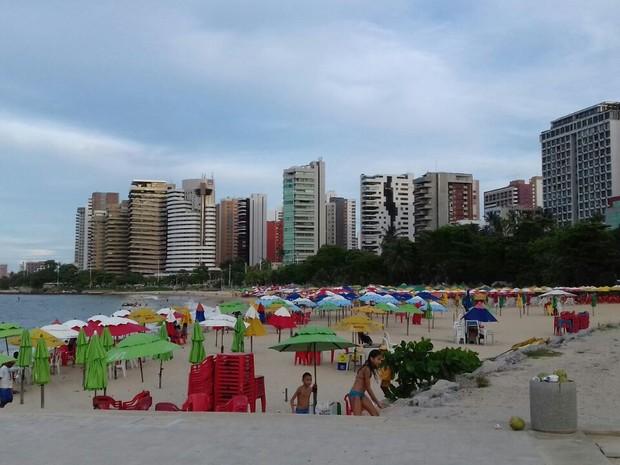 De 31 pontos da orla de Fortaleza, apenas 11 estão próprios para banho