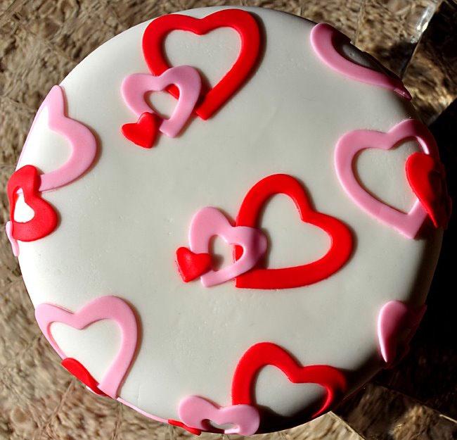 Beki Cook's Cake Blog: Super Easy Valentine's Cake
