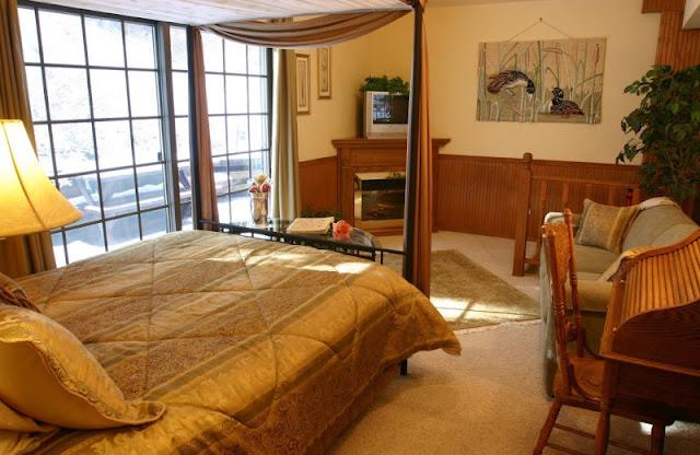 Find serenity & exquisite accommodations at Pearson's Pond Luxury Inn and Adventure Spa in Juneau. AK's only AAA 4 Diamond lodging.