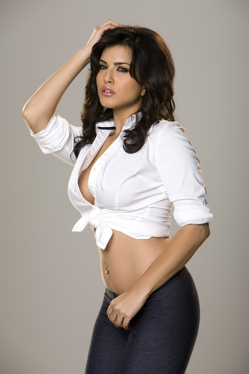 Sunny Leone Hot In White Shirt Tight - Hd Group Sex-8587