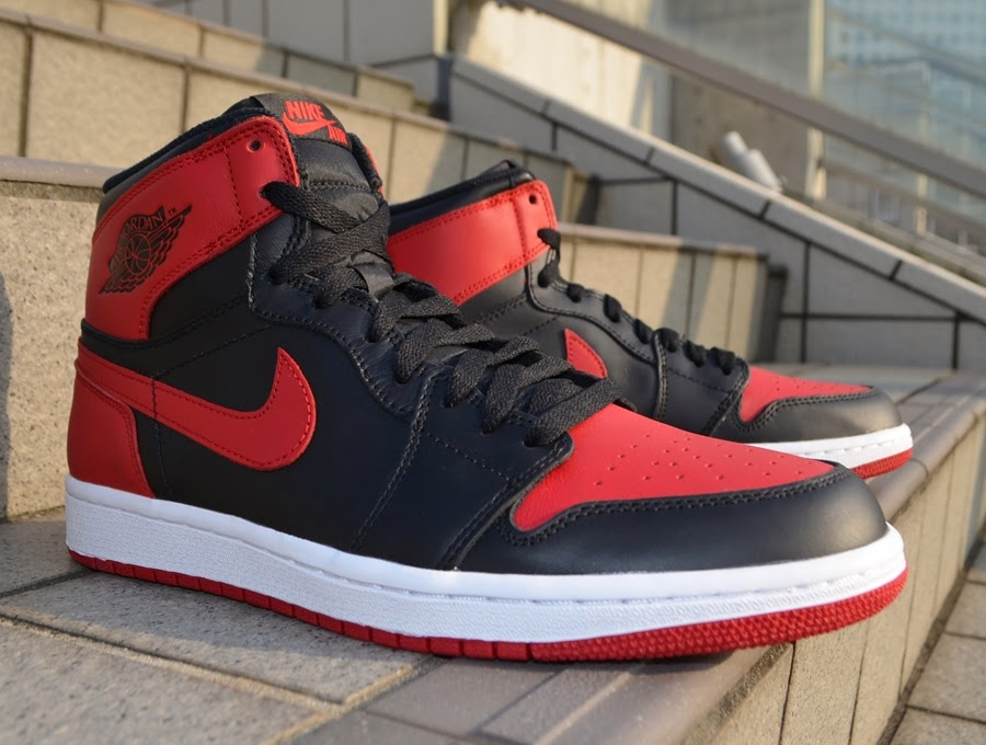 b0522d7b477c Today we give you a quick comparison and review video between the Air  Jordan 1
