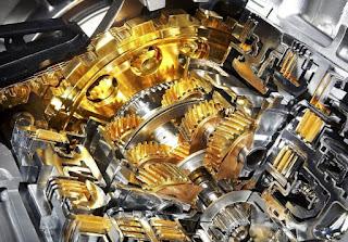 Oli mesin adalah salah satu cairan fluida yang sangat erat kaitannya dengan mesin kendaraa Inilah Fungsi Utama Oli Mesin Yang Tidak Semua Orang Tahu