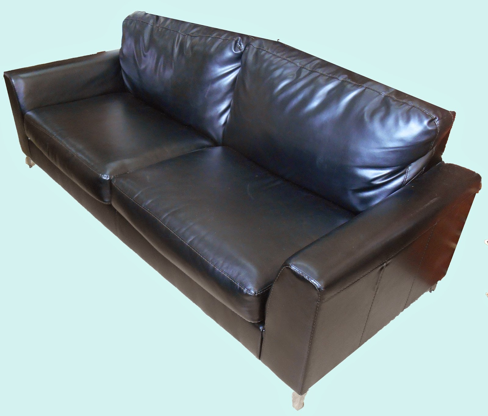 Uhuru Furniture Collectibles Blended Leather Sofa 250 Sold