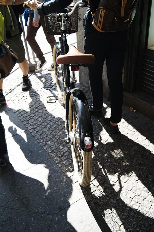 Blog + Fotografie by it's me! - Bloggertreffen in Berlin -Friedrichstraße, cooles Fahrrad