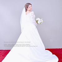 Floristeria venta y cotización de Ramo de novia en blanco cartuchos anturios con tallos amarrados en liston. Boda en Antigua guatemala