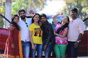 Karulo Shikarukelthe Movie Stills-thumbnail-6