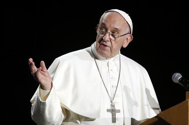 """O papa Francisco disse que os comunistas """"pensam como os cristãos, disse ao jornal italiano La República."""