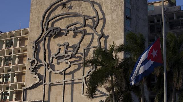 Decreto contra la vulgaridad levanta polémica en Cuba