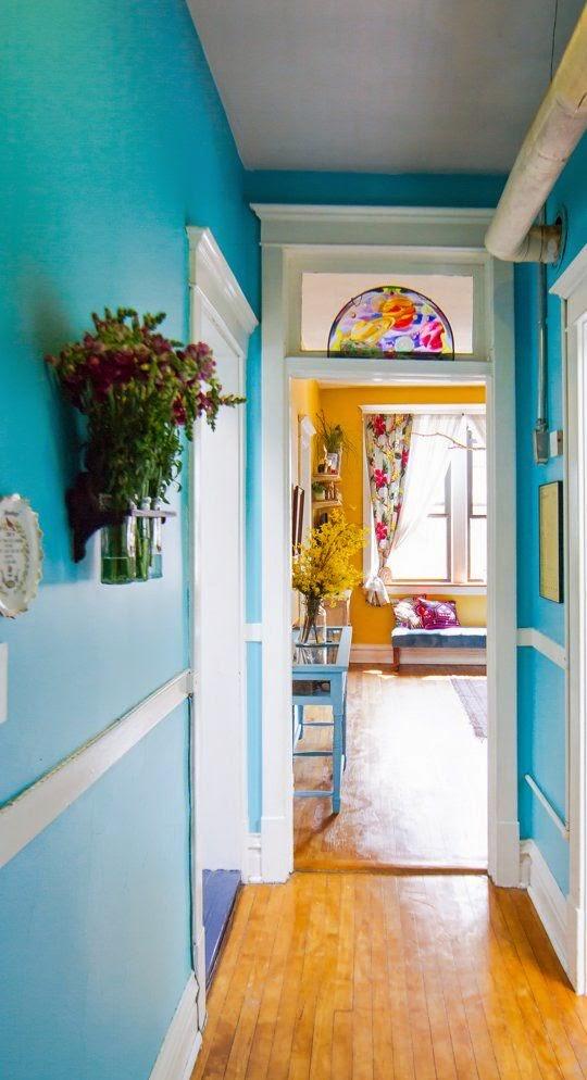 Pintar pasillo azul chillon