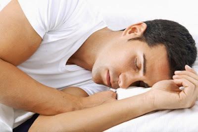 Keuntungan Tidur Menghadap Atau Miring ke Kanan