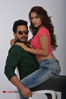Kadaisi Bench Karthi Tamil Movie Stills ~ Celebs Next