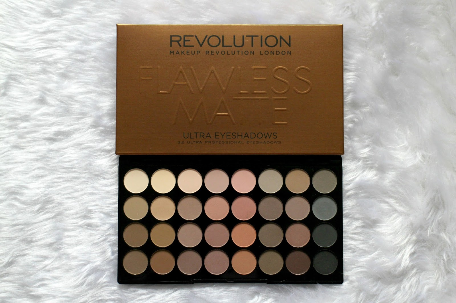 Makeup Revolution Flawless Matte Ultra Eyeshadow Palette