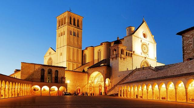 Assisi la città di San Francesco e Santa Chiara Escursione giornaliera da Roma in pullman