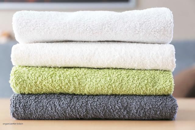 Handtücher und Bettwäsche entrümpeln