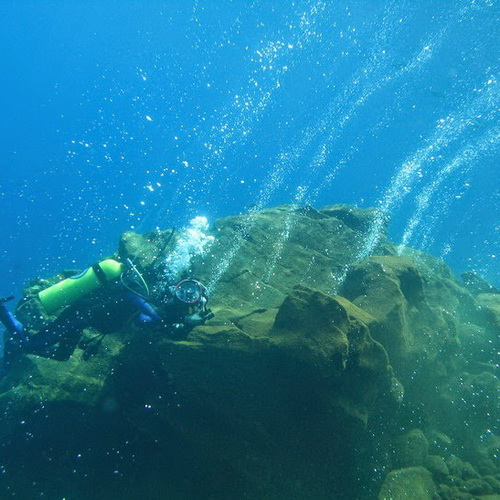 Tinuku Travel Banua Wuhu volcano, a mountain sank in Mahangetang waters presents extreme diving spot in amazing panorama