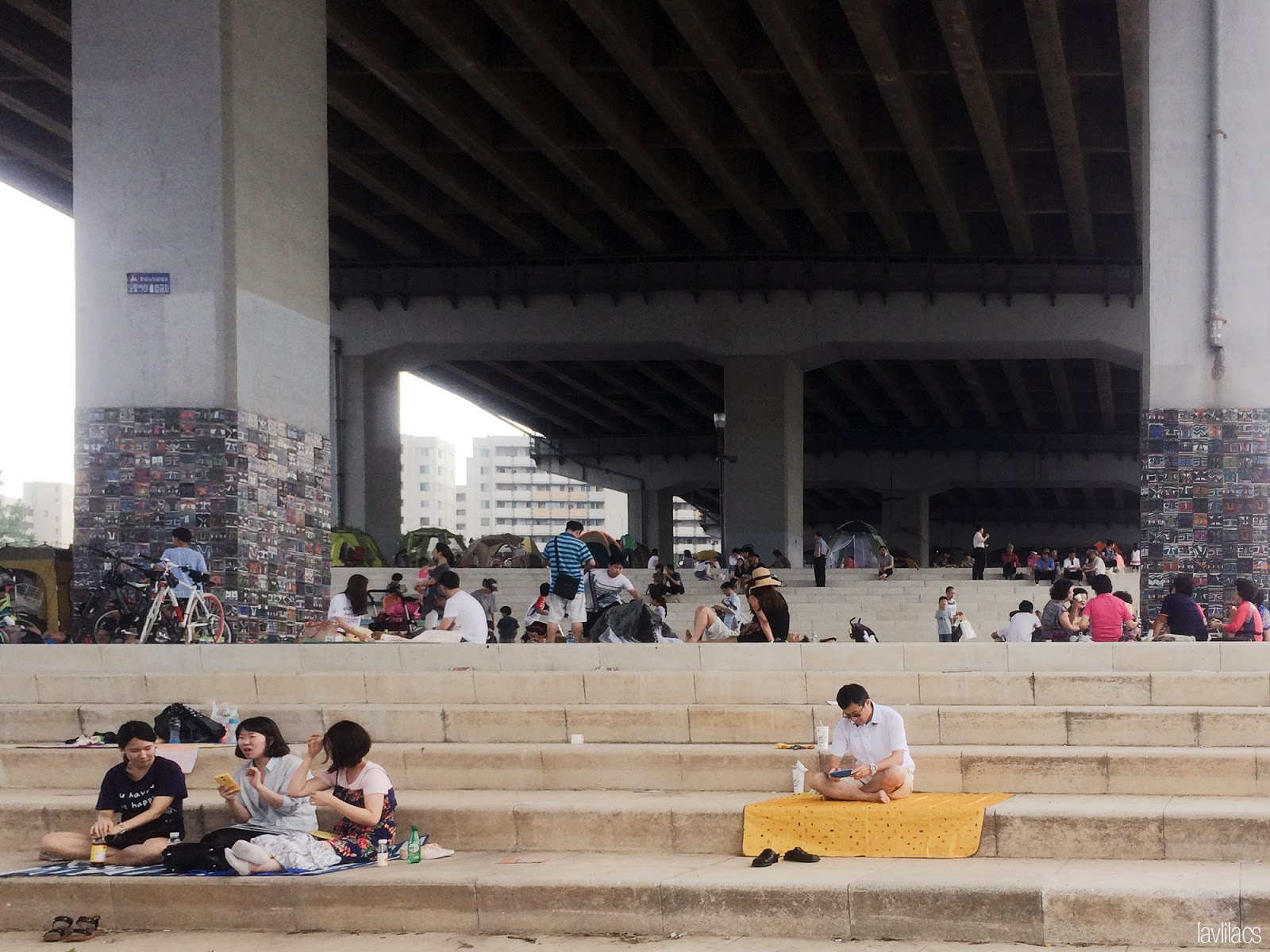 Seoul, Korea - Summer Study Abroad 2014 - Yeouido Park - Han River - picnicking