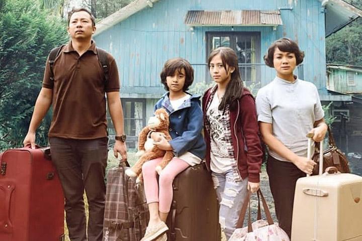 Karakter yang menghidupkan dan menuai pujian di banyak review film Keluarga Cemara.