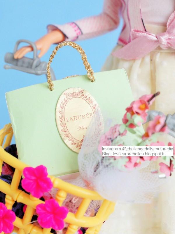 Barbie Grandma et son vélo sac Ladurée et bouquet de fleurs 2