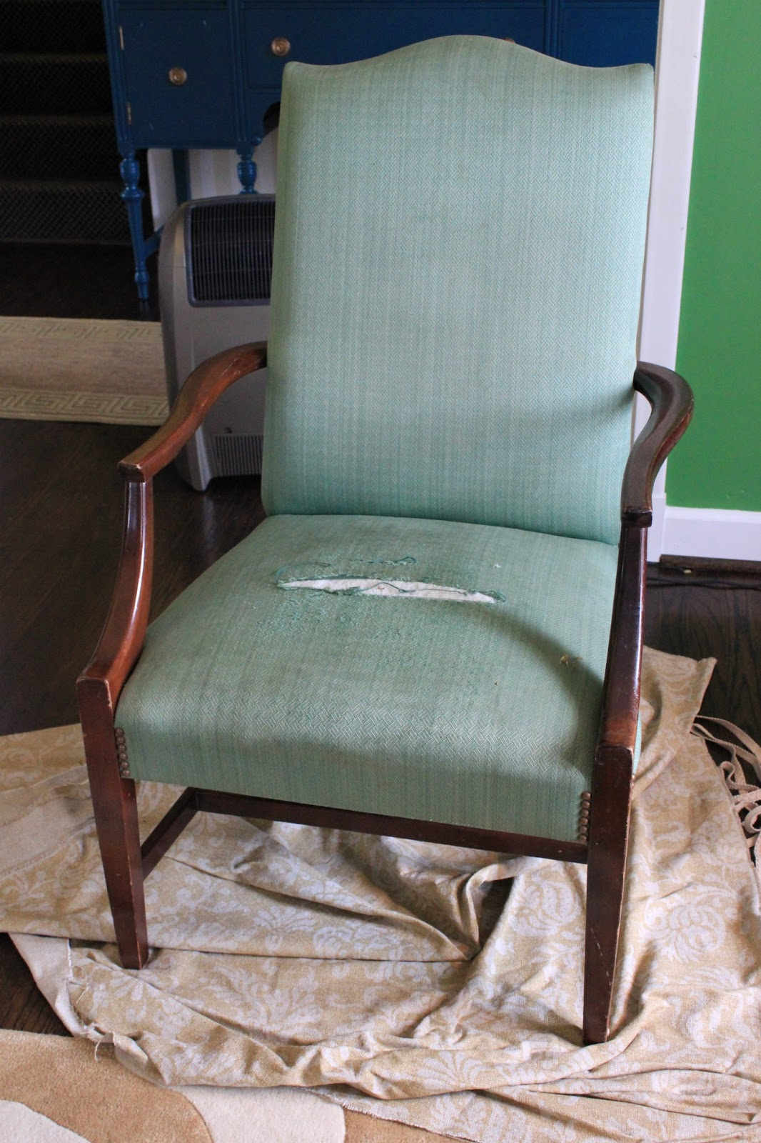 What Colors Look Good With Green Westhampton Diy How To Reupholster A Chair