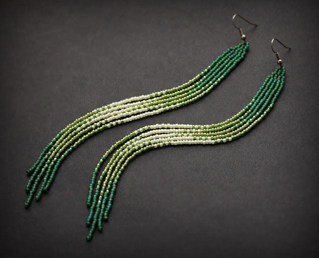 длинные зеленые серьги из бисера купить в интернет магазине необычной бижутерии ру