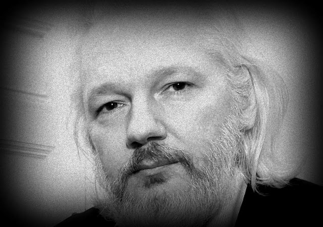 A crucificação de Julian Assange