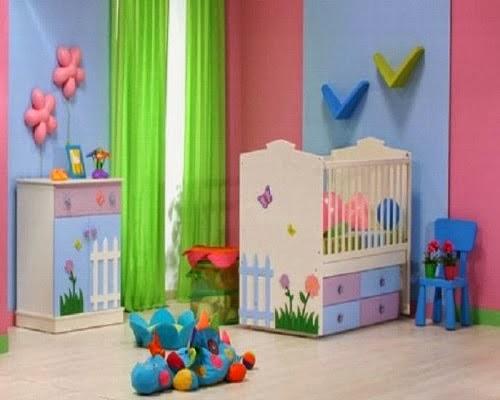 Dormitorio de colores bebé