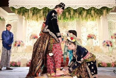 prosesi-adat-jawa-yang-harus-ada-saat-pernikahan