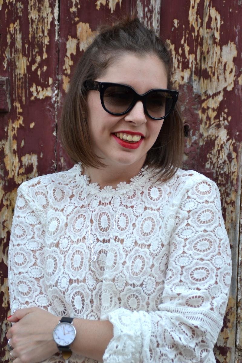 blouse en dentelle Sheisinde,collier See me org et montre marbre Bettyandbiddy