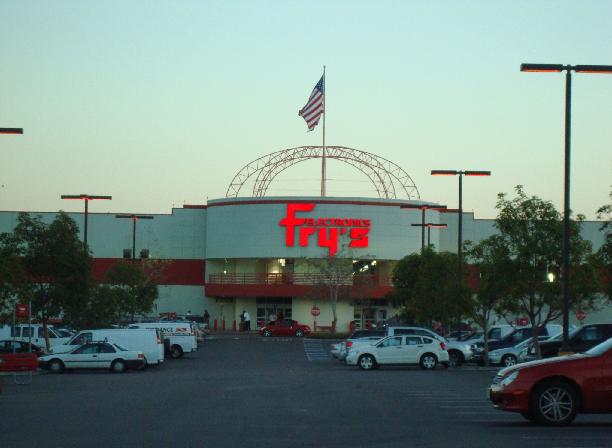 Fry's Eletrônicos em San Diego