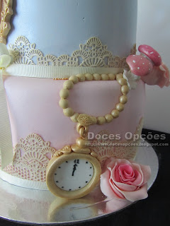 bolo aniversário decorado relógio