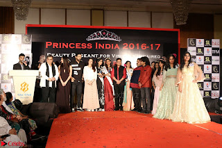 John Aham, Bhagyashree, Subhash Ghai and Amyra Dastur Attends Princess India 2016 17 Part2 008.JPG