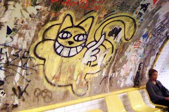 Sunday Street Art : Monsieur Chat - Métro ligne 4 - Station Barbès-Rochechouart - Paris 18