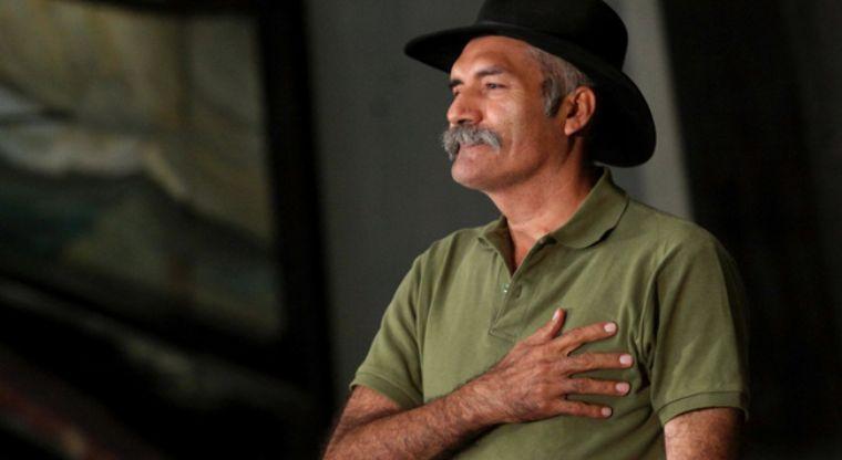 El ex líder de las autodefensas Manuel Mireles lo hospitalizan por una taquicardia.