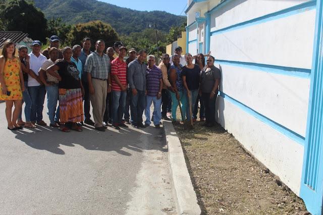 Polo: Alcaldesa Danilsa Cuevas deja iniciados trabajos de reconstrucción de aceras y contenes