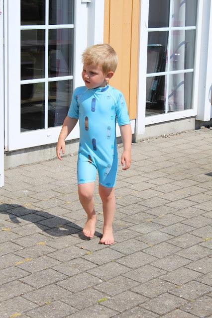 http://www.faktorfobi.dk/soft-gallery-uv-heldragt-skate