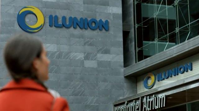 Logo de Ilunion en un edificio