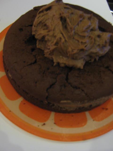 Giant Chocolate Cake Gw