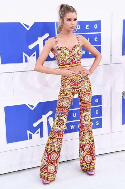 Stella Maxwell – 2016 MTV Video Music Awards in New York City