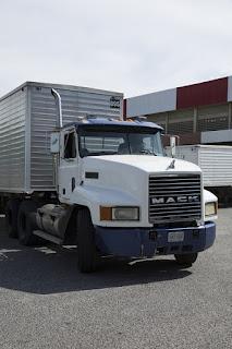 Nice tractor trailer.
