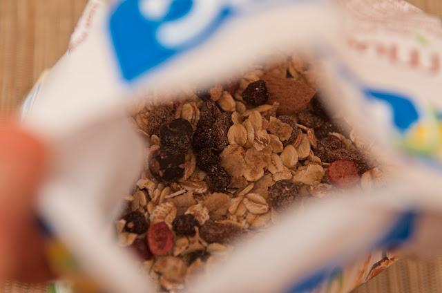 Muesli Superfruits Bjorg - Muesli - Bjorg - Petit-déjeuner - dessert - bio - Raisins - Amandes - Cranberry - Superaliments - Végétarien - Myrtille - Fruits rouges - Cassis - Céréales
