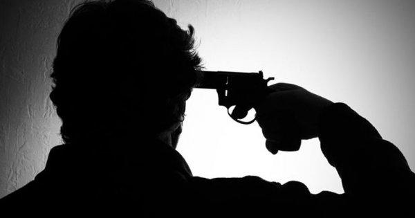 Σοκ στην Πάτρα: Αυτοκτόνησε δίπλα στο 3χρονο παιδί του - Καταρρέει η ελληνική κοινωνία