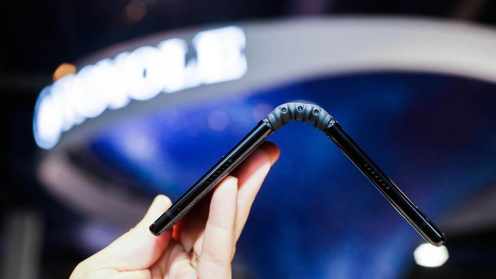 FlexPai, el primer smartphone con pantalla plegable del mundo