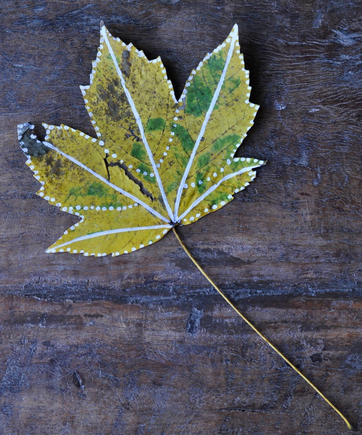 #easy-peasy #diy for #fall, #painted #leafs