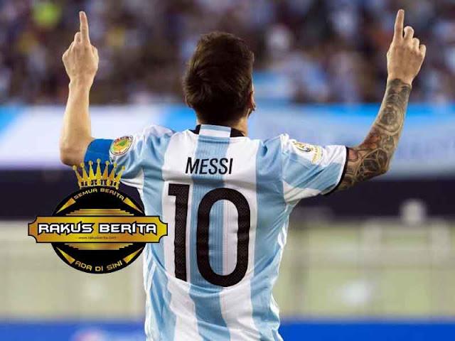 FIFA Harusnya Tak Izinkan Messi Main, Karna Dia Bukan Manusia