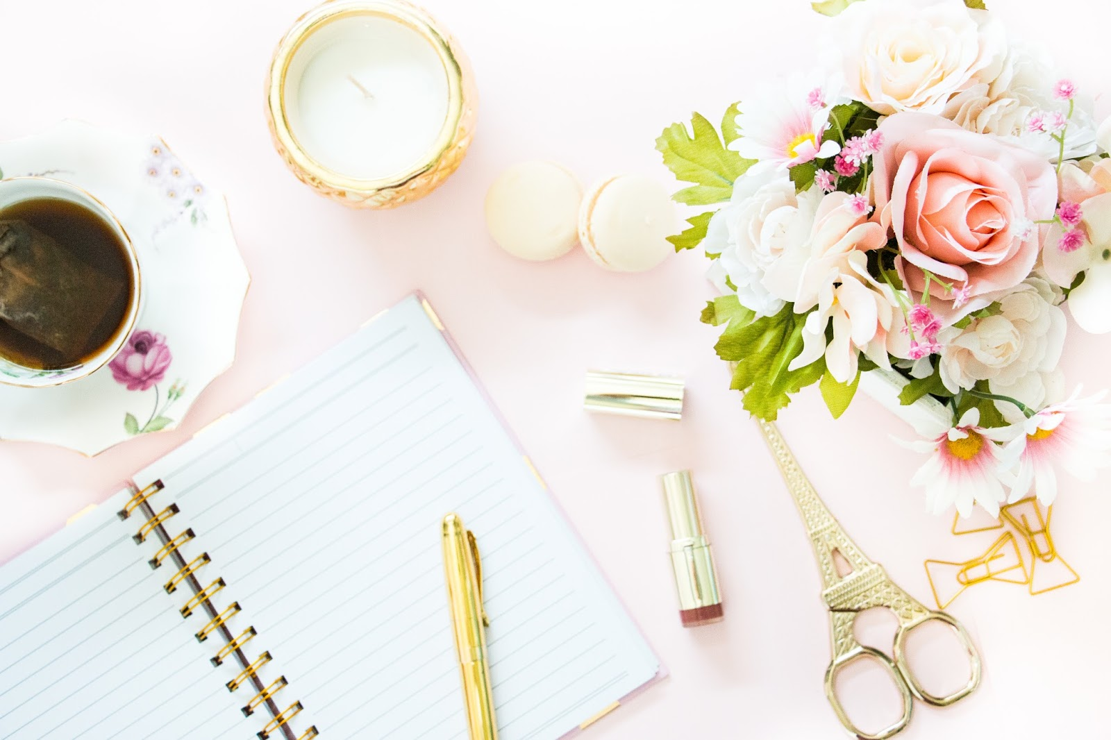 We've only got a couple weeks until moms everywhere are celebrated! Stumped on what to get the new mom in your life for her first Mother's Day? Here's a gift guide on what moms really want from a first-time mom.