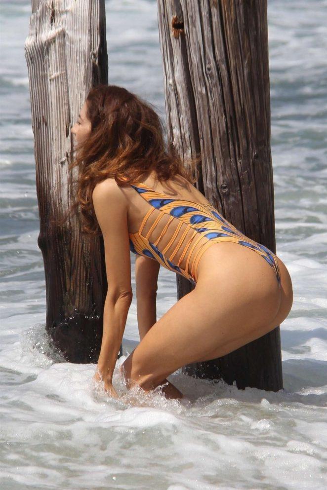 Бланка Бланко на пляжі в Малібу