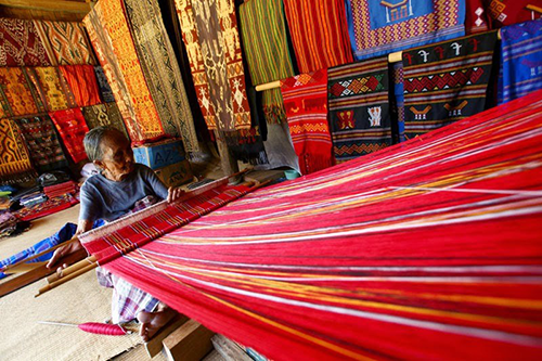 Kerajinan Tenun Provinsi Sumatra Utara - Raimondwell.com