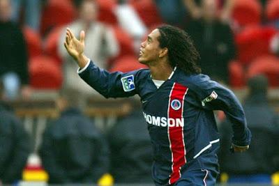 Ronaldinho Dukung Neymar Ke PSG