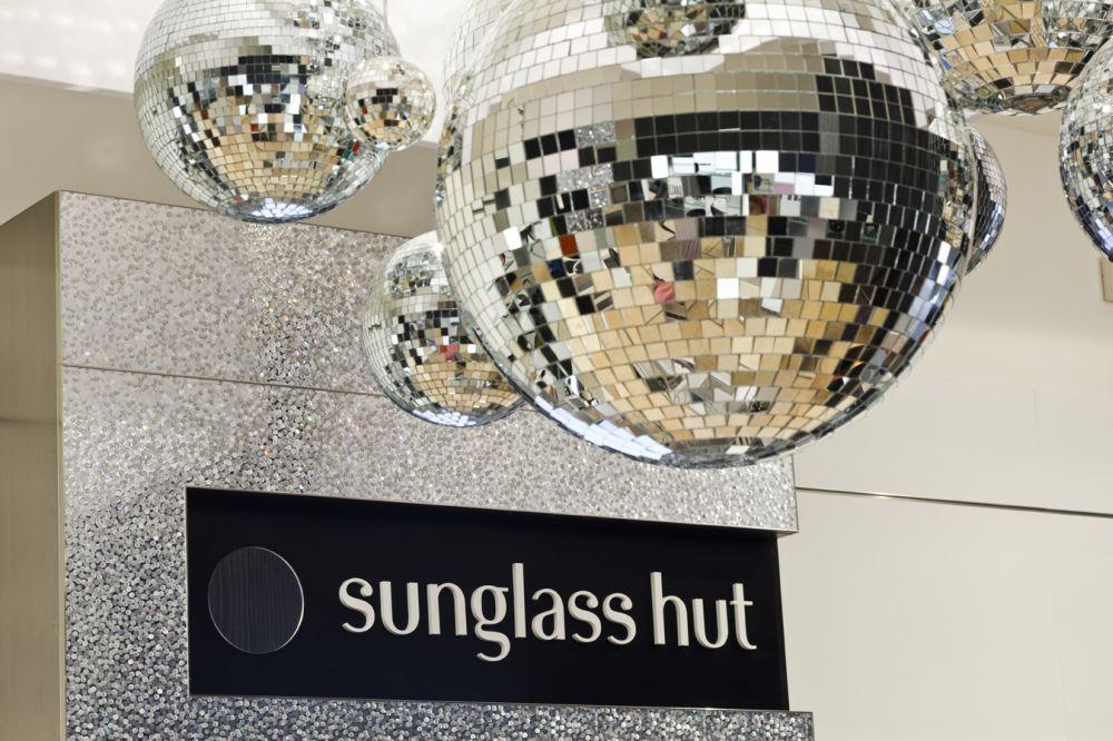 PodCultura - Portal de Notícias  Summer Week chega às lojas Sunglass Hut f9a17600ca